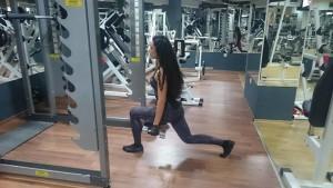 Напади с дъмбели, любов бабалеева. Фитнес тренировка за жени.