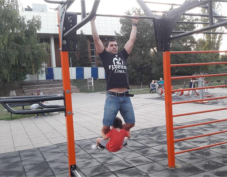 стрийт фитнес тренирвка за мускулна маса и сила